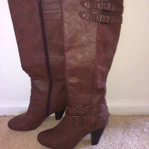 Just fab boot women's size 7
